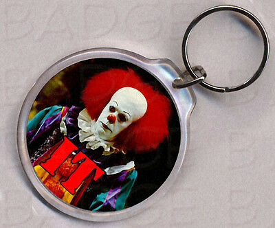 IT CLOWN PENNYWISE round keyring - CREEPY CLASSIC!