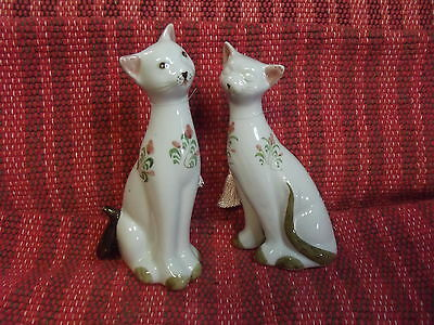 Pair of classic porcelain cats Andrea by Sadek hand painted MINT
