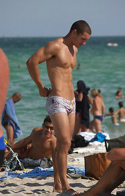 Shirtless Male Young Beach Swimmer Tight Swim Trunks Abs Feet Hot PHOTO 4X6 P432