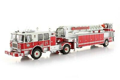 "Seagrave TDA Fire Engine Ladder - ""NEW LONDON #25"" - 1/50 - TWH #094A-01151"