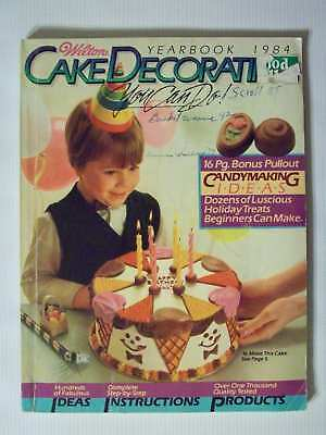 Nice Vintage 1984 Wilton Cake Decorating Yearbook