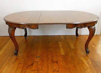 Vintage Expandable Walnut Dining Room Table Chippendale Style 4 Leaves