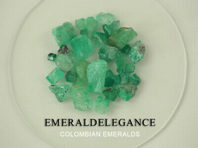 136.46 CT, ROUGH FINE NATURAL COLOMBIAN EMERALD Lot Minerals Ligth Green