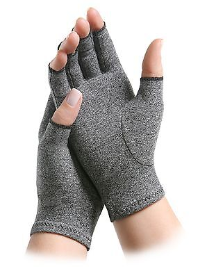 IMAK Arthritis Compression Gloves Keeps hands warm for all day wear and comfort