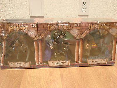 Harry Potter Collector Series Set 3 of 3  2001Mattel Classic Scenes Collection