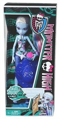 "Monster High Skull Shores Abbey Bominable Daughter of the Yeti 11"" Fashion Doll!"