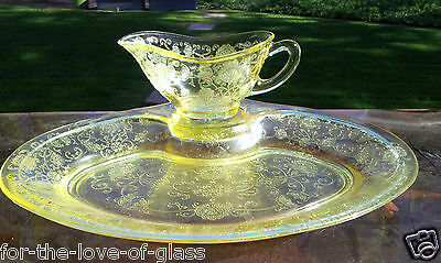 """Yellow Florentine # 2 Gravy Boat and 11½"""" Platter with Indent"""