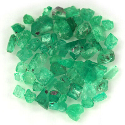 84.9 CT, ROUGH FINE NATURAL COLOMBIAN EMERALD Lot Minerals Ligth Green