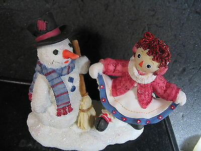 Enesco Raggedy Ann & Andy FRIENDS FOREVER...NO MATTER THE WEATHER Snowman NIB