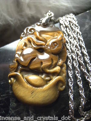 TIGER EYE Hand Carved Chinese Zodiac 35mm Pendant/Chain.Year Of The RABBIT