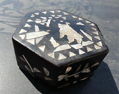 Antique Chinese Black Lacquer Snuff or Trinket Box with Abalone Decoration