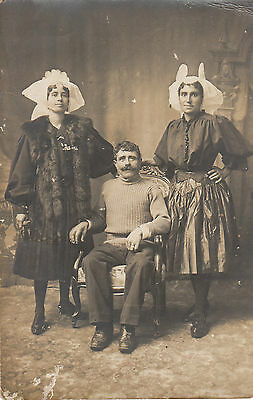 Carte photo ancienne rare photo sablaises  en costume et coiffe