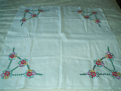 """PRETTY HAND EMBROIDERED LINEN TABLE CLOTH 32"""" by 32"""" FLOWERS"""