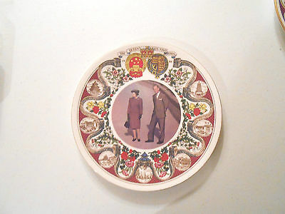 Queen Elizabeth II visit to China LE plate of 1000, Sutherland china, 8 5/8""