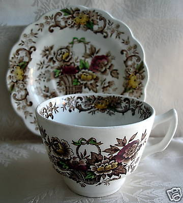 RIDGWAY CHINA OLD ENGLISH BOUQUET CUP & SAUCER, set 6
