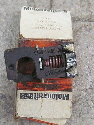 NOS 75 76 Ford Econoline E100 E350 Brake Stoplight Switch SW-1255 D5UZ-13480-A