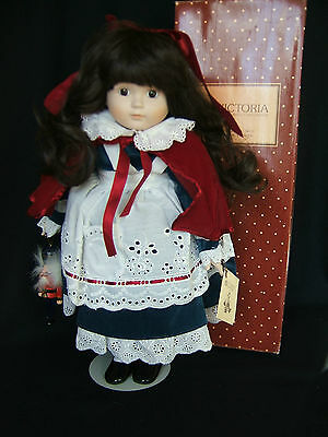 """MUSICAL VINTAGE but NEW 1985 VICTORIA IMPEX ZASAN DOLL """"CARRIE"""" WHITE CHRISTMAS"""