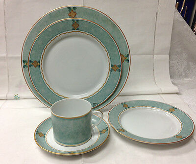 Mottahedeh Merian Mist 5 Piece Place Setting Porcelain Brand New Portugal