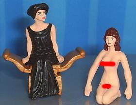 HAND PAINTED METAL NUDE ROMAN QUEEN WITH SLAVE 54MM