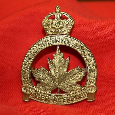ROYAL CANADIAN ARMY Cadets Cap Badge - Scully