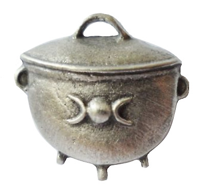 Witches Cauldron Small Pewter Pin Badge - LP749