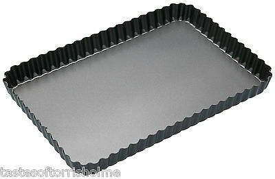 Masterclass Large 30cm x 20cm Oblong Loose Bottom Fluted Quiche Flan Tin