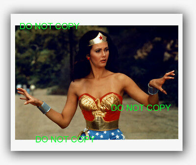 WONDER WOMAN - 8x10 Photo - LYNDA CARTER