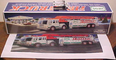 New 2000 Hess Fire Truck Firetruck With Bag & Batteries
