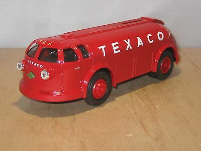 1934 Diamond T Tanker Doodle Bug  - Texaco #11 In Series - Ertl B195