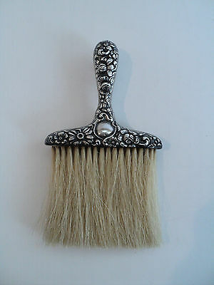WONDERFUL ANTIQUE VICTORIAN STERLING SILVER REPOUSSE HAT BRUSH, c. 1900