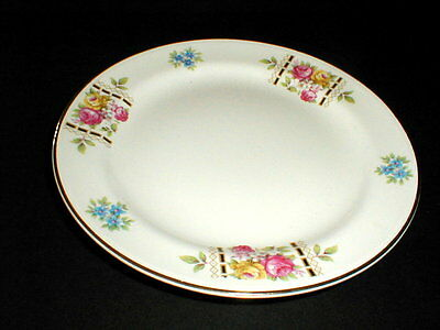 Homer Laughlin Nautilus Cunningham & Pickett COLONIAL Dinner Plate/s EXC