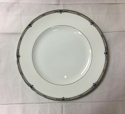 """Wedgwood """"Amherst"""" Dinner Plate 10 7/8"""" Bone China Brand New Made In England"""