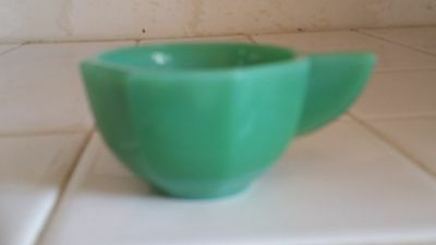 Jadeite Green Octagonal Akro Agate Large Child Toy Cup Closed Handle 2 oz.