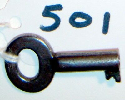 "no. 501 Antique Key 1 3/8"" Long 5mm/4mm opening"