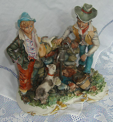 CAPODIMONTE Thirsty Travellers Figurine