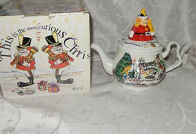 Alice's Christmas Tea Party Teapot Paul Cardew New in Box