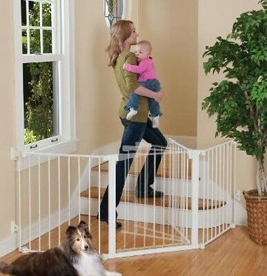 Kidco G3000 Configure Gate In White With Auto-Close Feature!!