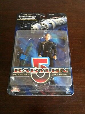 Babylon 5 Action Figure 1997 John Sheridan In Earthforce Uniform