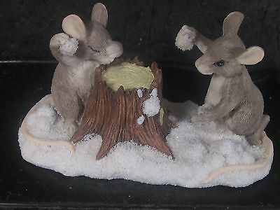 Charming Tails Silvestri THE SNOWBALL FIGHT Mouse MIB #87/570