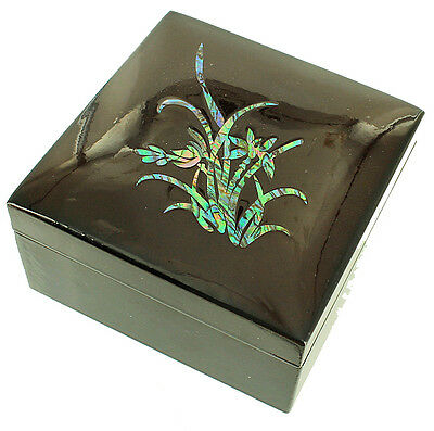 Vintage Asian Japanese Lacquerware Inlaid Abalone Flowers & Leaves  Vanity Box