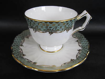 VINTAGE AYNSLEY ENG CHINA TEA CUP&SAUCER WHITE OLIVE GREEN GOLD PRE OWN