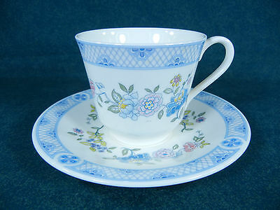 Royal Doulton Coniston H5030 Cup and Saucer Set(s)