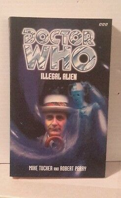 Doctor Who  ILLEGAL ALIEN   BBC Paperback Book- FREE S&H (M2568)