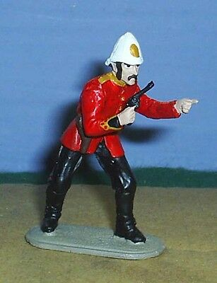 TOY SOLDIERS METAL AFRICAN ZULU WAR 24TH FT OFFICER HOLING PISTOL 54M