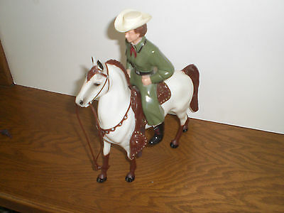 Hartland Dale Evans in Olive Green on White Chubby Molded on Bridle