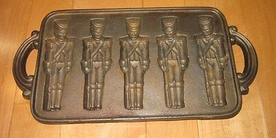 JOHN WRIGHT Cast Iron Cookie Mold Nutcracker / Toy Soldier Vtg 1985 USA