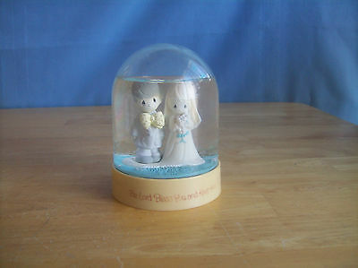 Precious Moments The Lord Bless You And Keep You Wedding Snowglobe