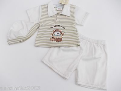 BNWT Baby boys T-shirt top shorts and hat in beige and ecru 0-3 mth 3-6 months