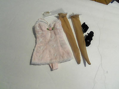"""Tonner  18"""" KITTY COLLIER UFDC Convention basic complete"""