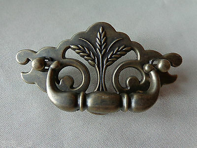 One New Continental Brass Antique Brass Wheat Drawer Swing Pull
